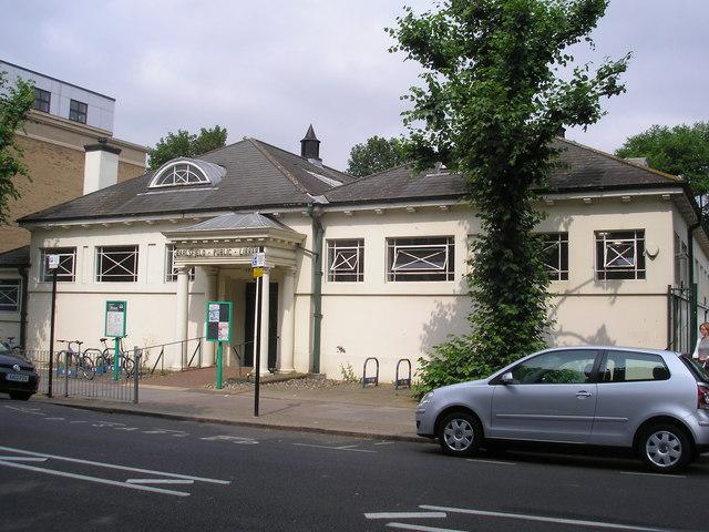 Earlsfield Public Library