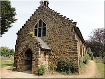 SU1012 : St James Church by Mat Tuck