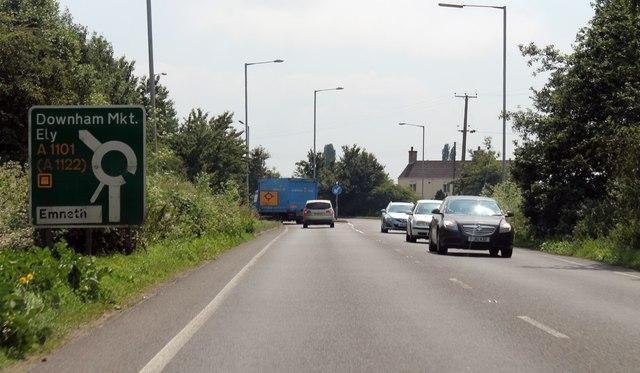 A1101 approaching roundabout