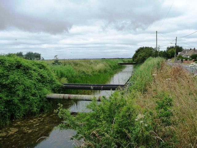 Marshland Sewer, alongside Eastbridge Road