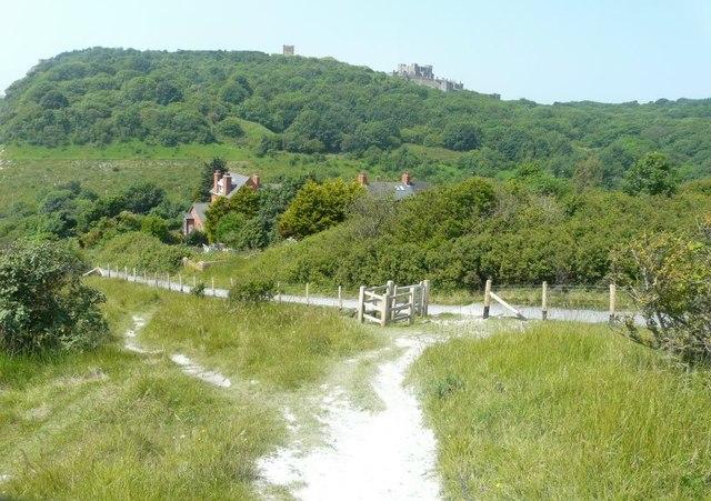 New fencing along the Saxon Shore Way
