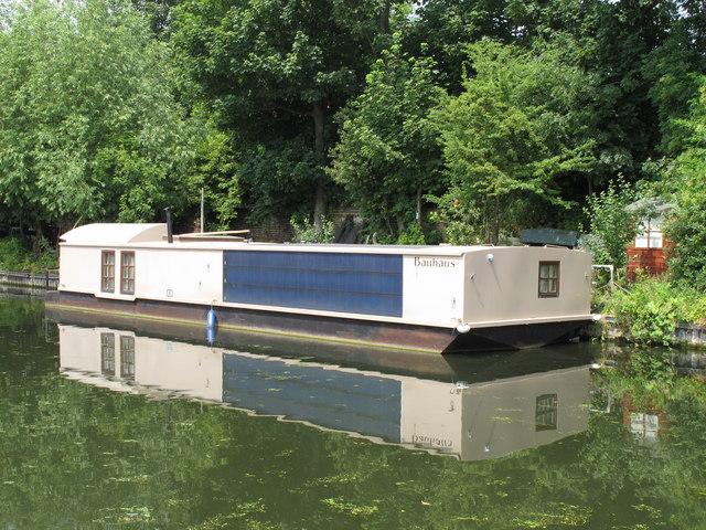 Bauhaus - solar powered canal barge