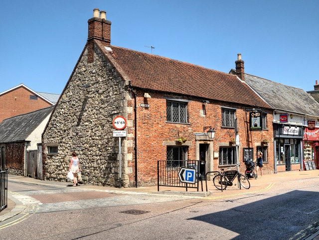 Newport High Street, The Castle Inn