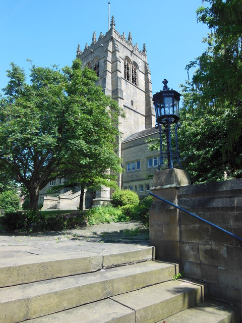 Approach to the western end of Bradford Cathedral