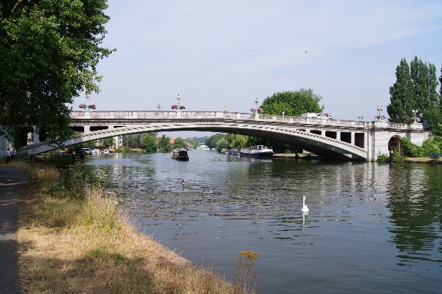 The Thames / Reading Bridge