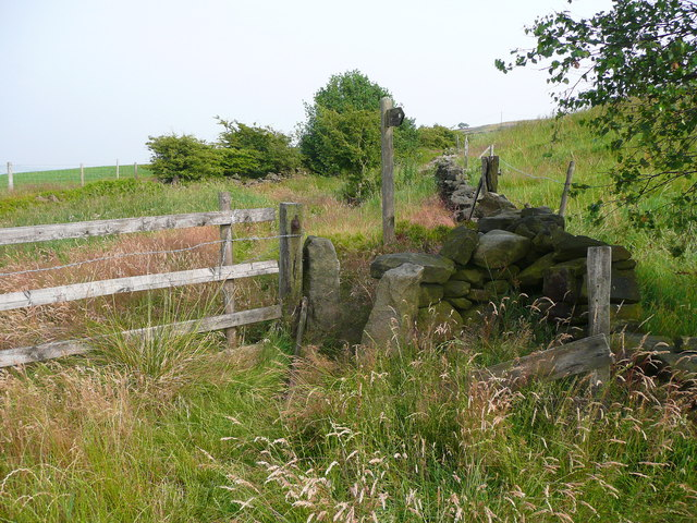 Stile on the informally diverted route of Hebden Royd FP59