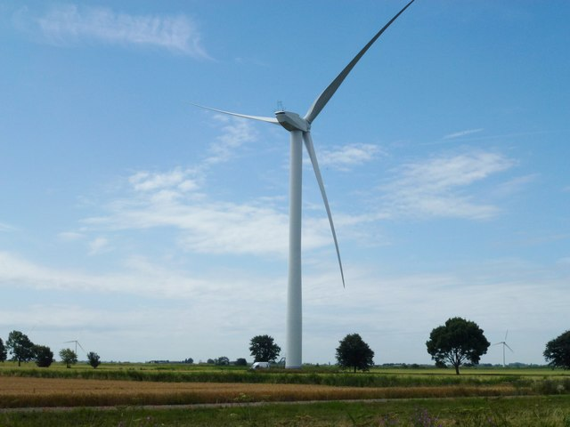 New wind turbine at Coldham