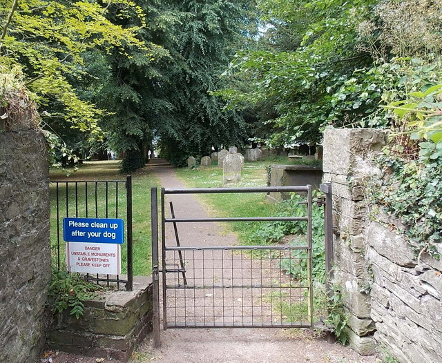NE entrance to Brecon Cathedral grounds