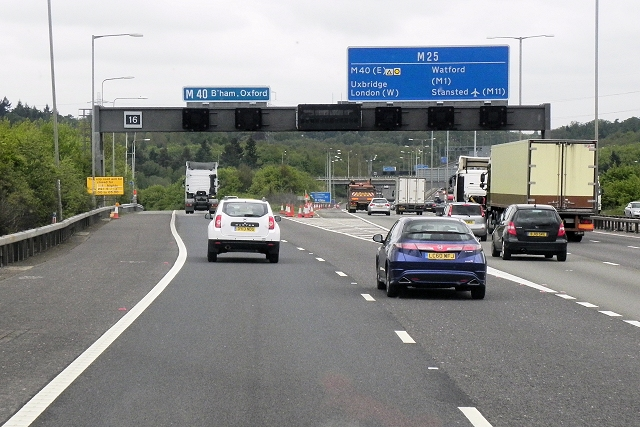 M25 M40 Interchange Junction 16 169 David Dixon Cc By Sa 2