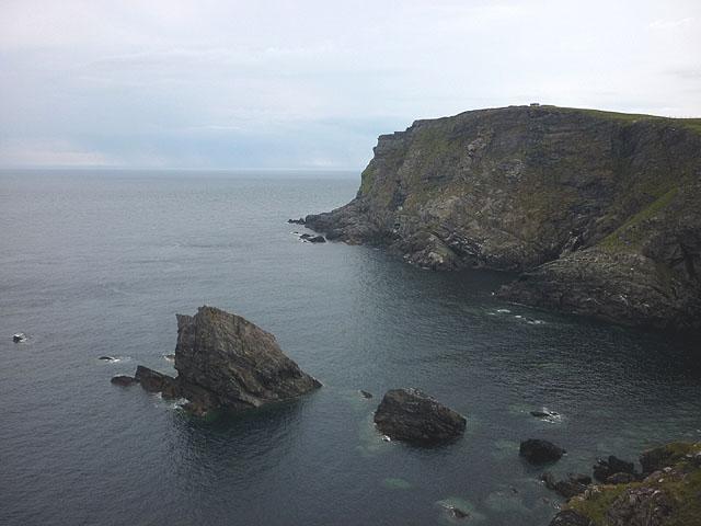 Sea stack at Poll a' Gheodha Bhain, Faraid Head