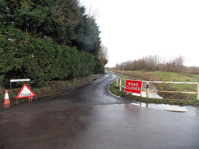 Ty Mawr Lane closed near Coedkernew