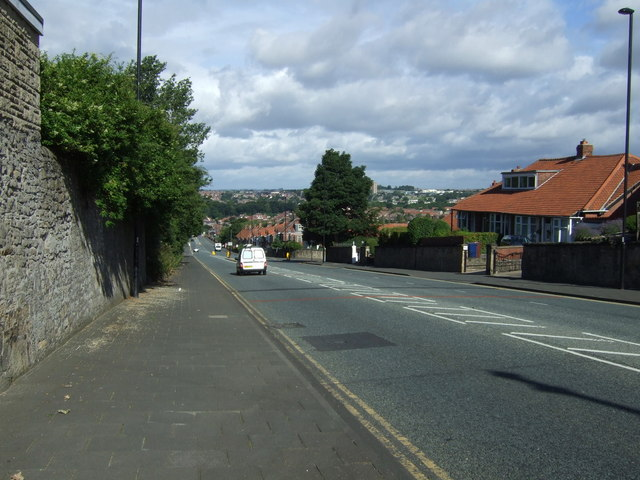 Heading downhill on West Road, Benwell