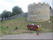 SE6052 : York - City Walls by Alan Heardman
