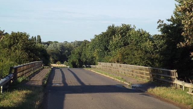 Bridge over the motorway, Ickleton