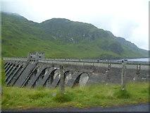 NN6039 : Dam, Lochan na Lairige by Michael Graham