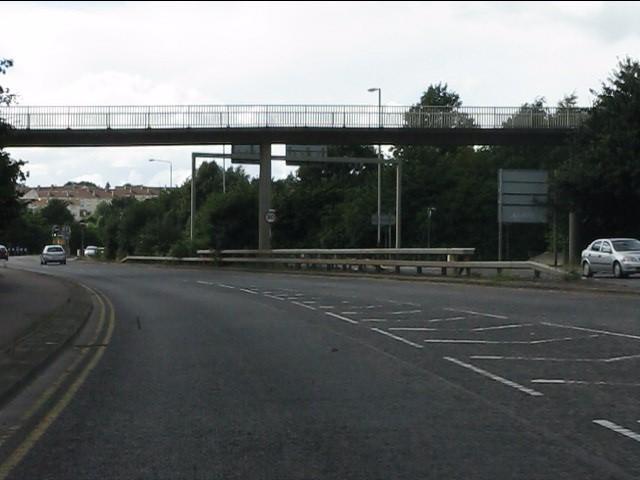 Footbridge over Red Hill Way