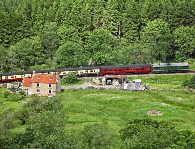 Train passing Kidstye Farm