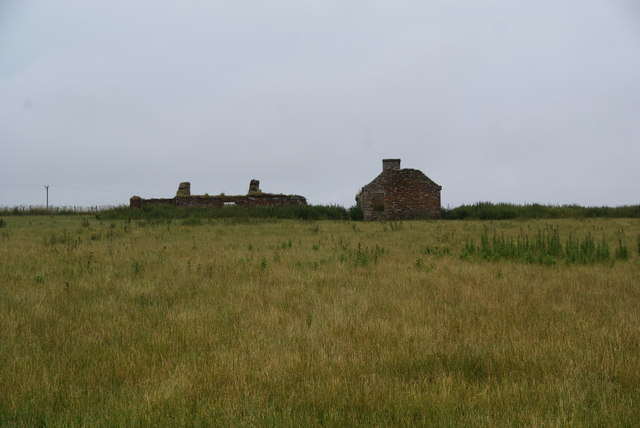Abandoned cottages in East Mey