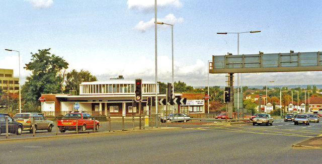 Hanger Lane intersection and station, 1993