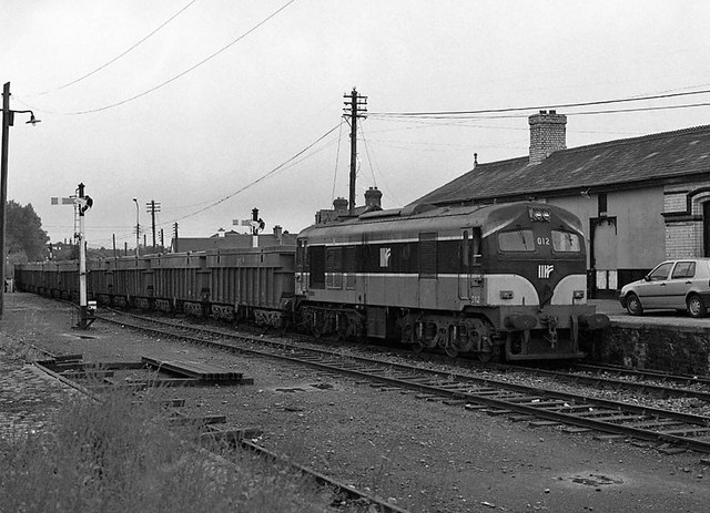 Ore train at Navan station - 1994