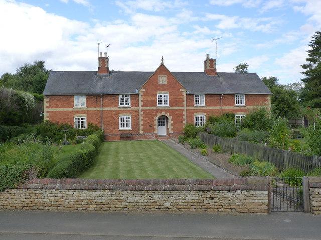 Estate cottages, Denton