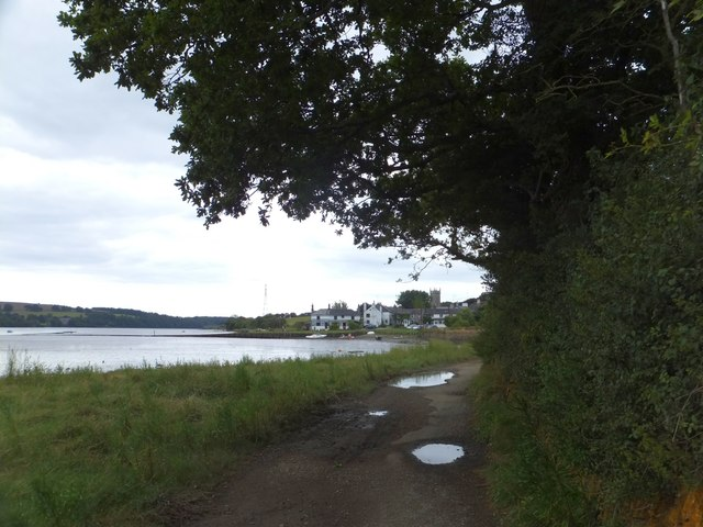 Tamar Valley Discovery  Trail approaching Bere Ferrers