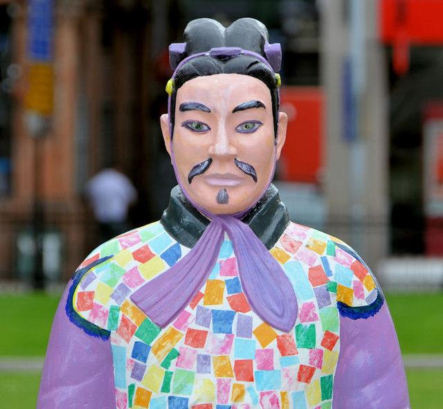 Chinese figures, Belfast City Hall (2)