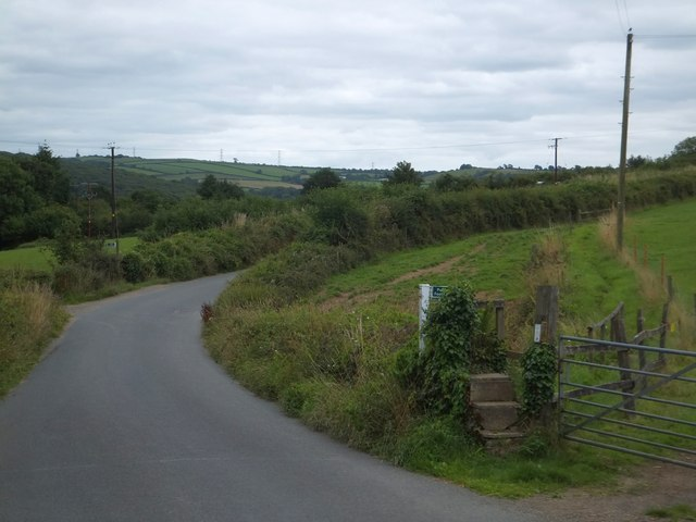 Footpath to The Coach House and Bere Ferrers station