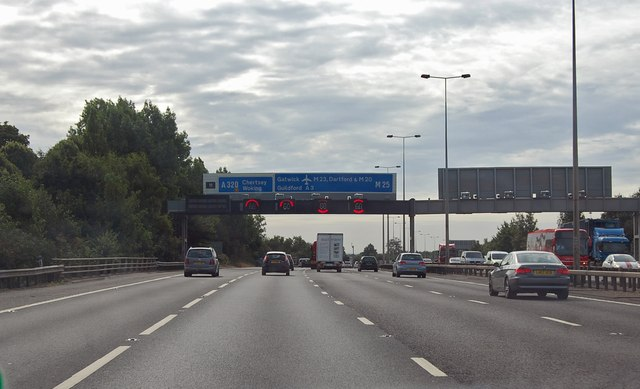 M25 anticlockwise towards Junction 11