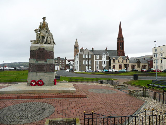 Largs War Memorial by Humphrey Bolton