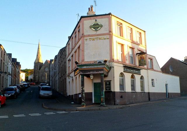 Y Twthill, Caernarfon