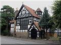 TQ0074 : The Grange, Wraysbury by Alan Hunt