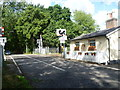 TQ6746 : Crossing keeper's cottage and level crossing on Wagon Lane by Marathon