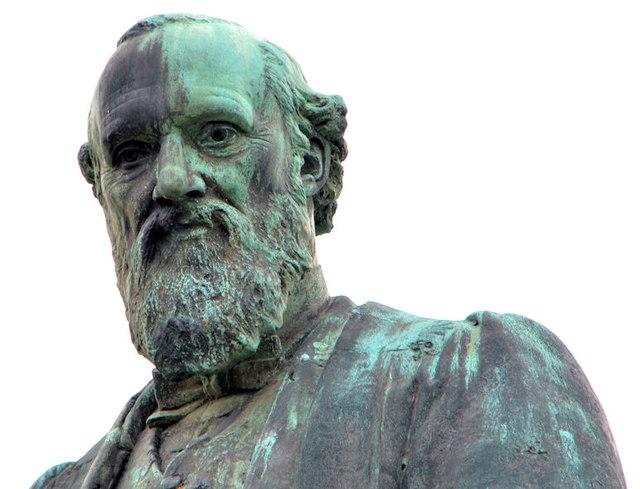 Lord Kelvin's statue, Belfast (2013-1)