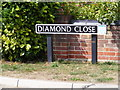 TM1085 : Diamond Close sign by Adrian Cable
