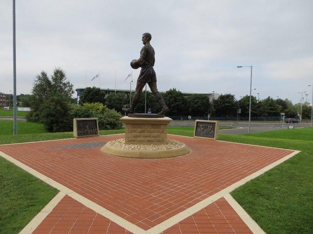 Statue of Nat Lofthouse