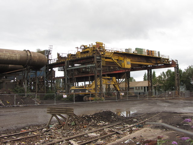 Travelling crane, Tremorfa steelworks by Gareth James