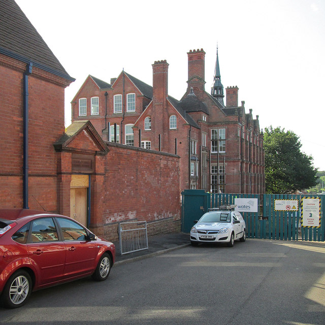 Forest Fields: renewing a school