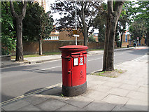 TQ3279 : Post box on Long Lane by Stephen Craven