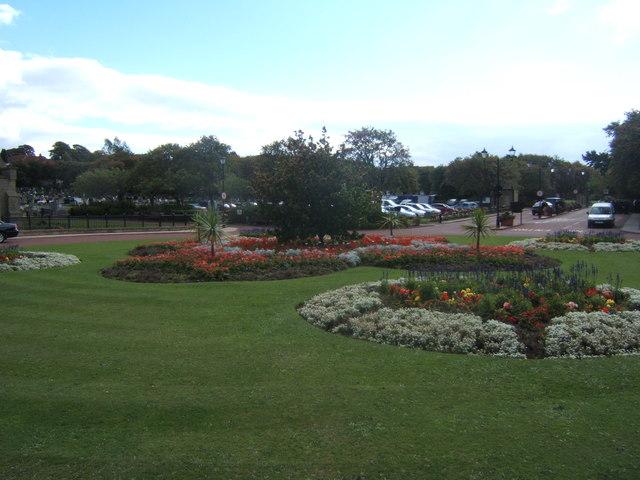 Flowerbeds and car park, West Road Crematorium