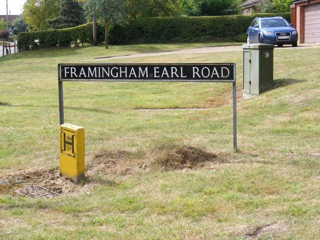 Framingham Earl Road sign