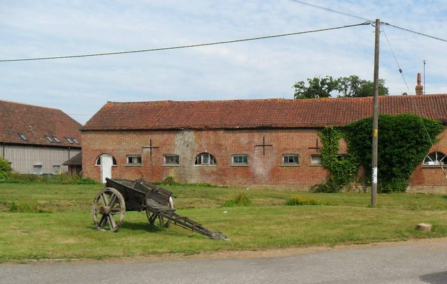 Wagon and barn, Sheffield Green, East Sussex