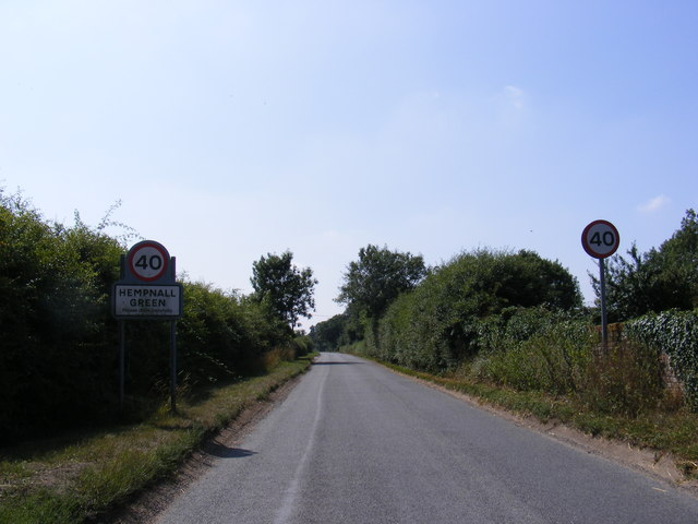 Entering Hempnall Green on Alburgh Road