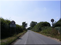 TM2493 : Entering Hempnall Green on Alburgh Road by Adrian Cable