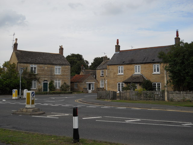 Houses at the junction of High Street and Lincoln Road, Glinton