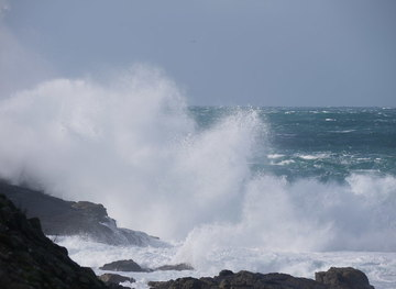 SW3426 : Sennen cove during stormy weather by sue hogben