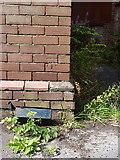 SO9596 : OS benchmark - Bilston, Mount Pleasant by Richard Law