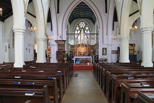 St John the Evangelist, Putney - East end