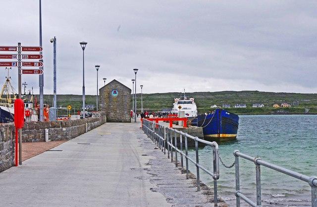 Quay and boats at Cill Rónáin (Kilronan), Inishmór, Aran Islands, Co. Galway