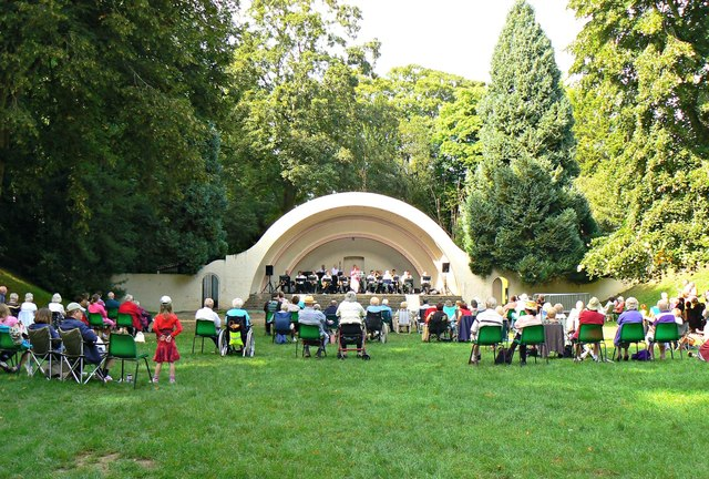 Concert in The Bowl, Town Gardens, Swindon